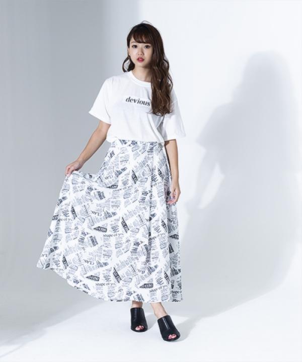 英文字ロングスカート
